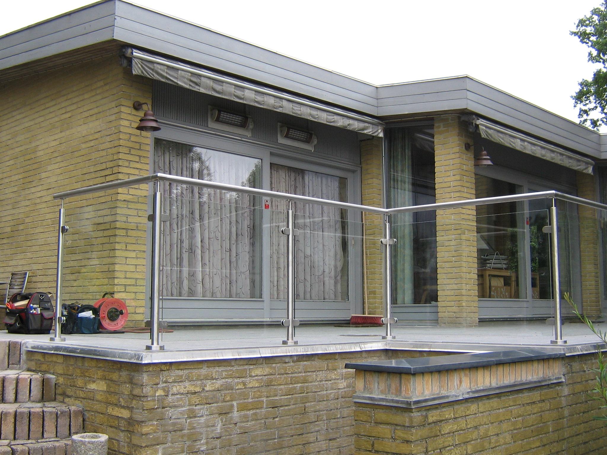 terrasse glas l hegn l sk rm gel nder glas l hegn staal og. Black Bedroom Furniture Sets. Home Design Ideas